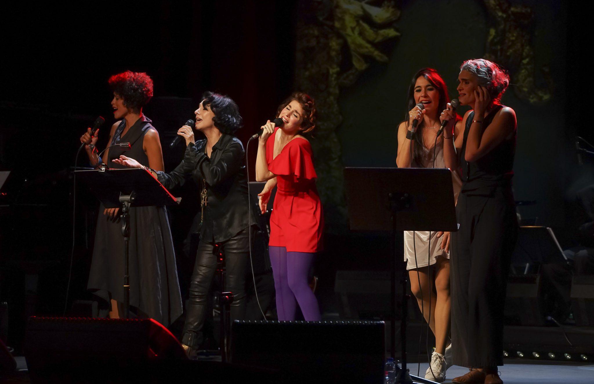 Aline Frazão, Mísia, Rita Redshoes, Mitó e Lula Pena em palco