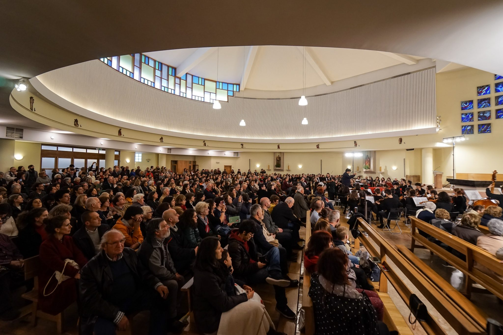 Interior da Igreja Alto do Lumiar durante concerto
